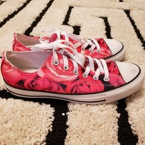 Converse- limited edition rise pattern size 9